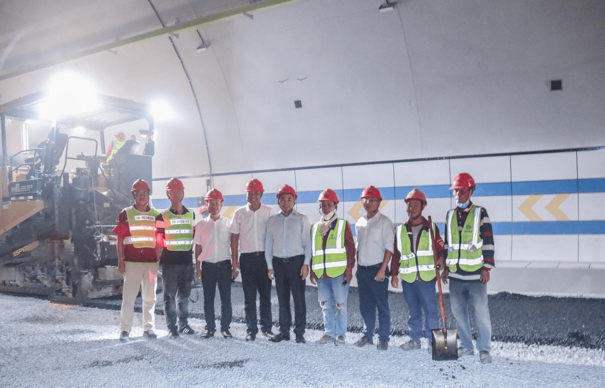 国庆佳节 苏如春慰问华邦建投集团桂柳高速项目一线员工