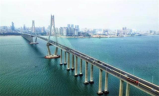 华邦·玥珑湾右邻壮观的海湾大桥.webp.jpg